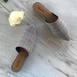 Shoes - 🆕Plaid Mule Flats